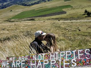 no hippies but happies