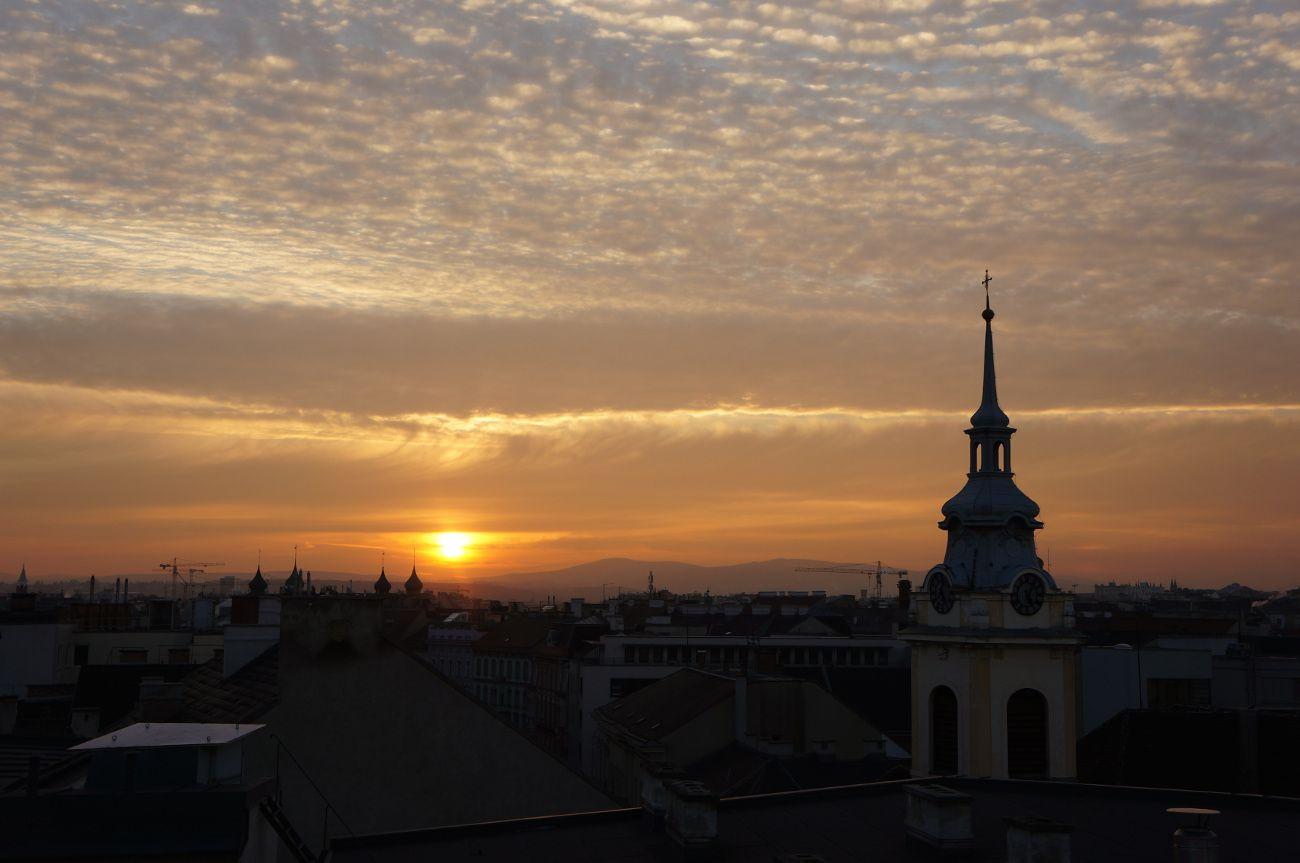 coucher de soleil sur les toits de vienne