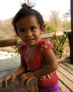 une petite Laotienne