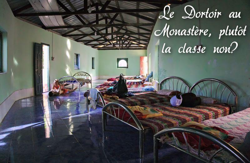 le dortoir du monastère Zwegabin