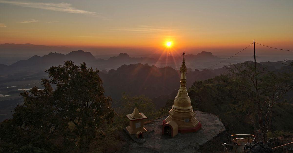 lever de soleil sur le mont Zwegabin, Hpa An