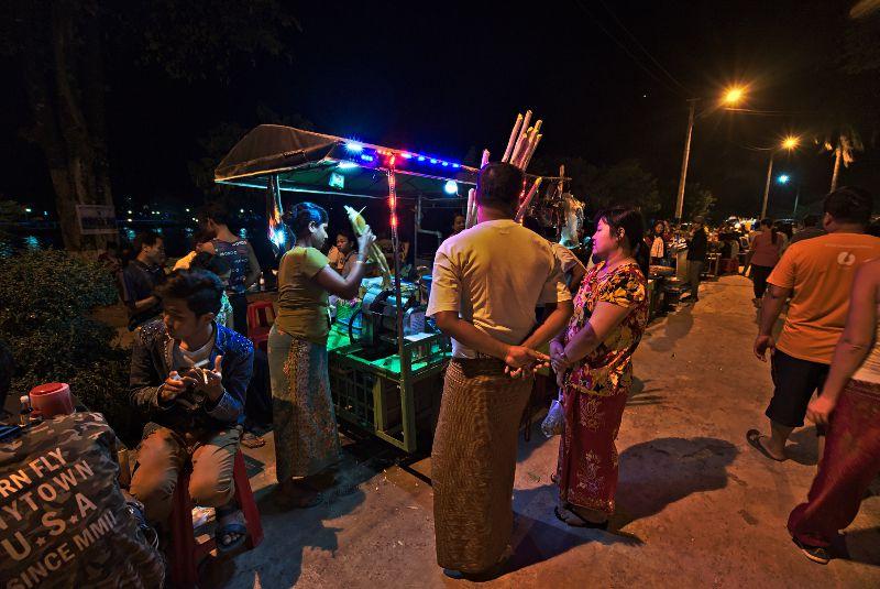 streetfood en Birmanie