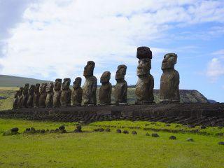 Moai sur l'ile de paques
