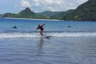 surf en indonesie