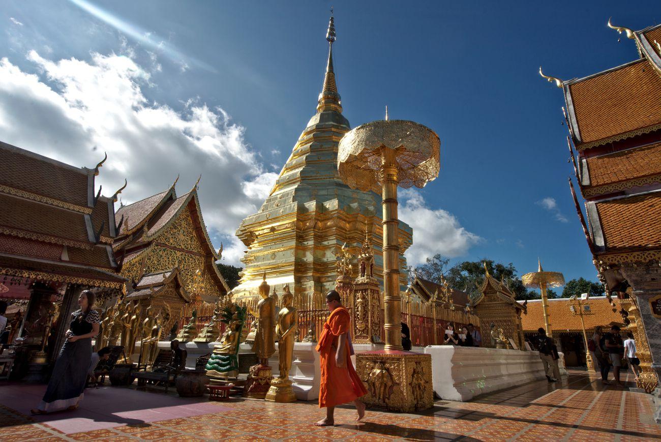 un moine dans doi suthep