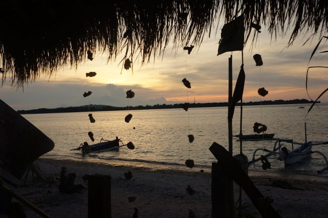 sunset gili islands