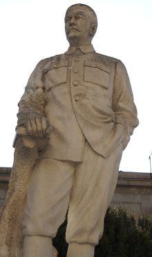 statue de staline