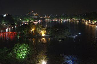 vue de nuit sur Hoam Kiem