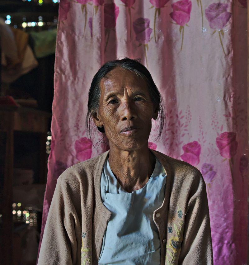 femme birmane vers le lac inle