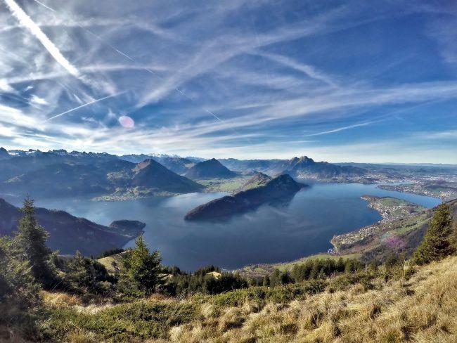 panorama sur le lac de Lucerne