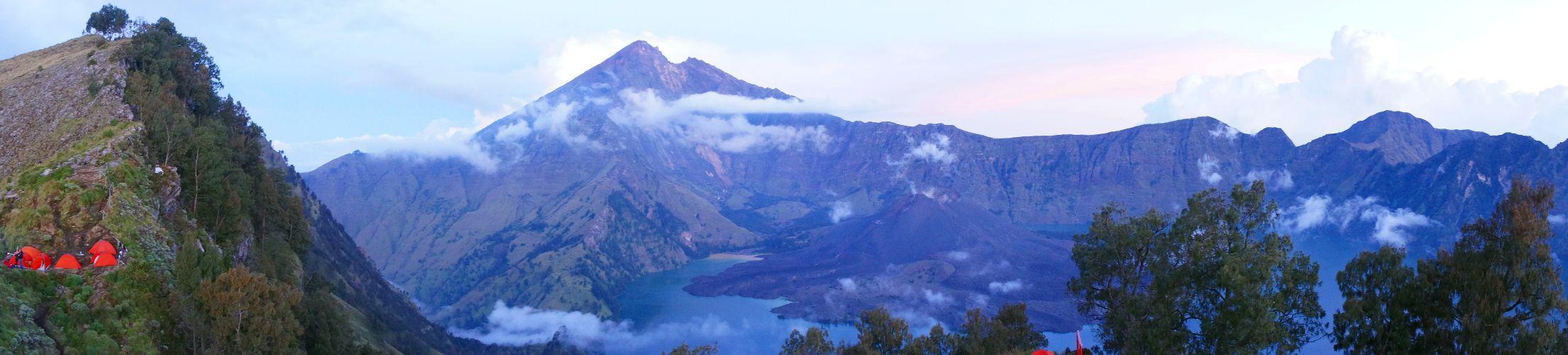 Volcan Rinjani aux lueurs du soir
