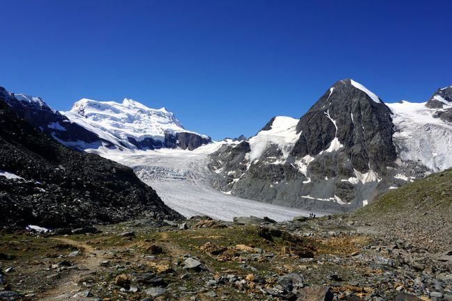 the view on the glacier from the otanes pass