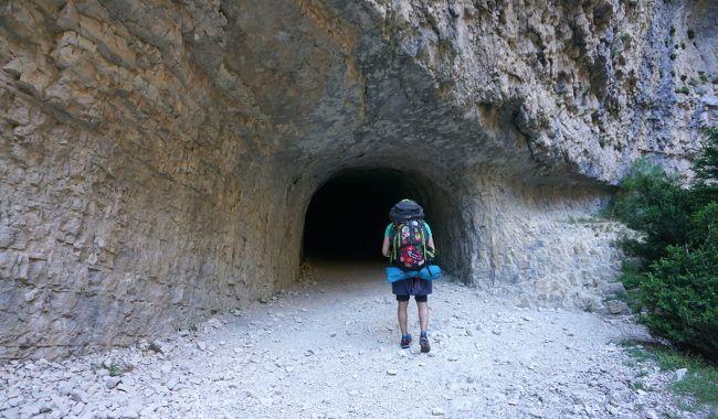 tunnel Baou, sentier blanc-martel