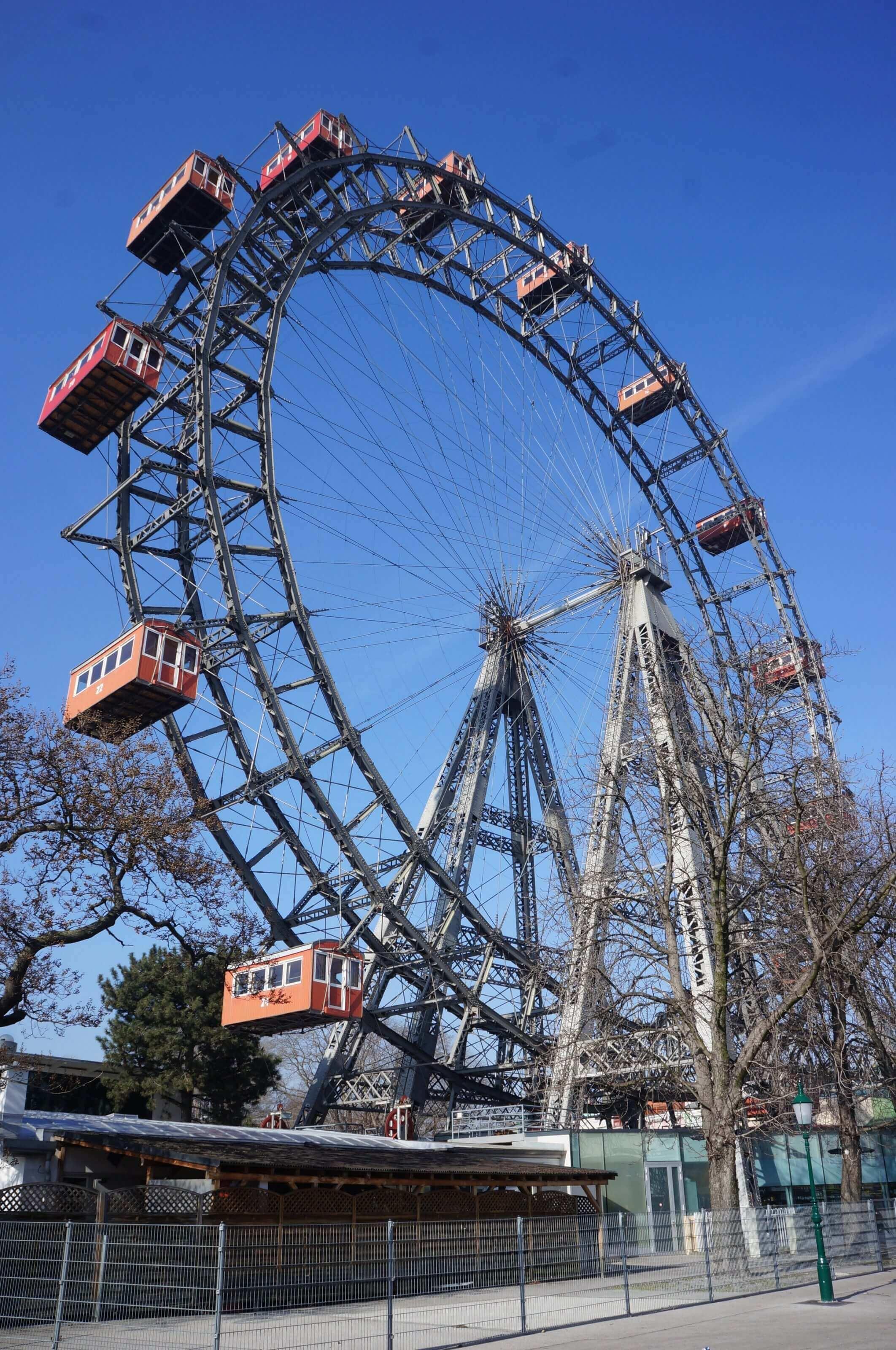 grande roue rouge