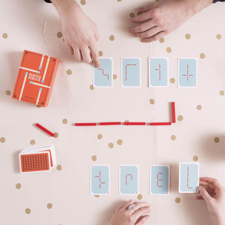 jeu de carte et d'allumettes