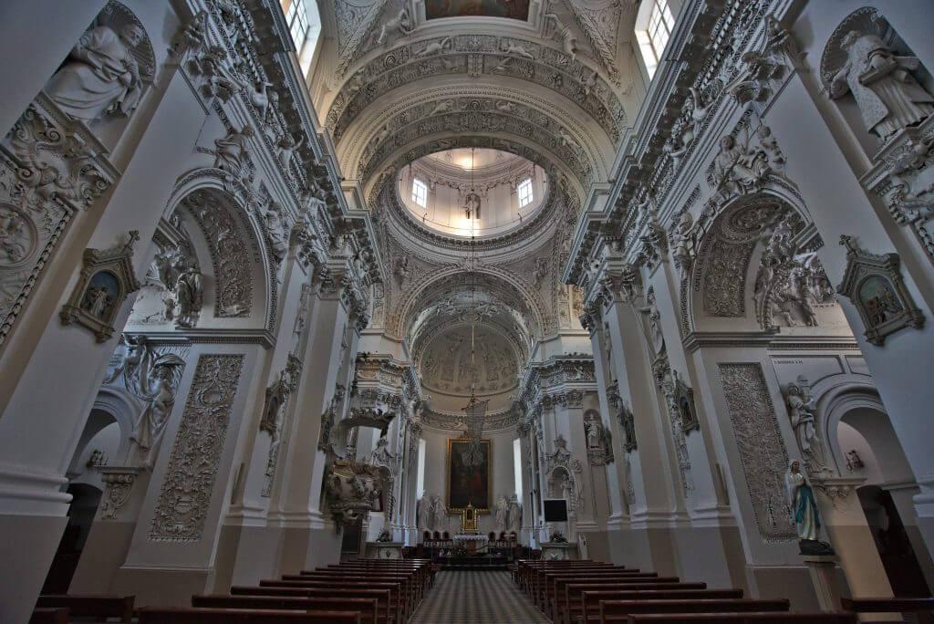 intérieur église vilnius