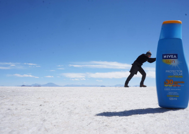 funny picture uyuni salt desert