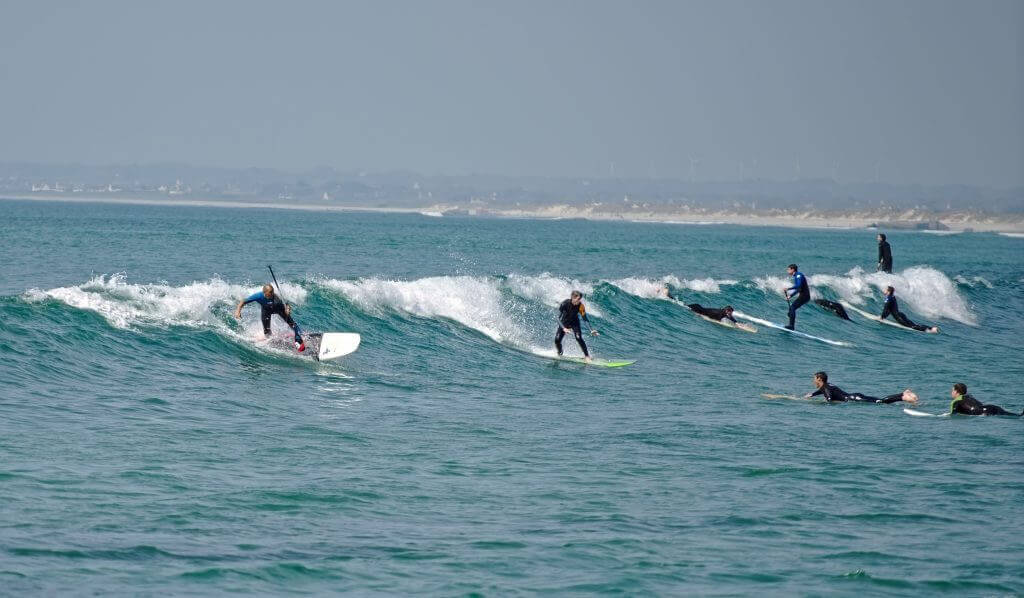 surfeurs pointe de la torche
