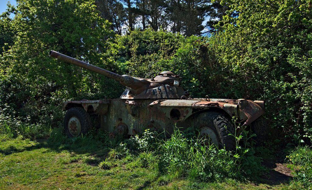 un char blindé à l'abandon