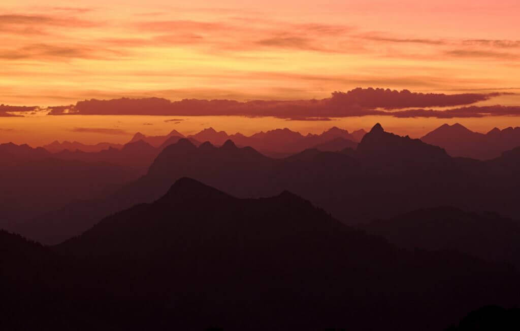 sunrise rocher de Naye
