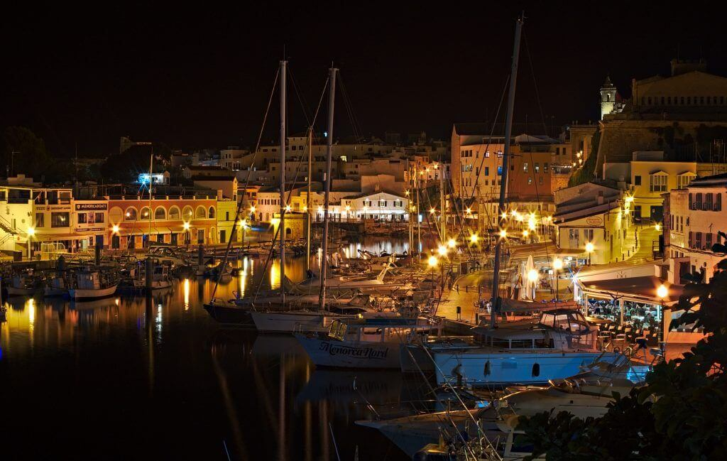 port de ciutadella de nuit