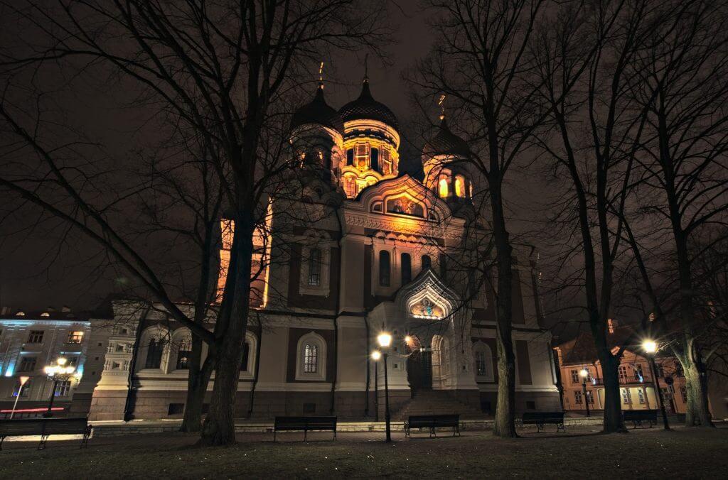alexander nevsky de nuit