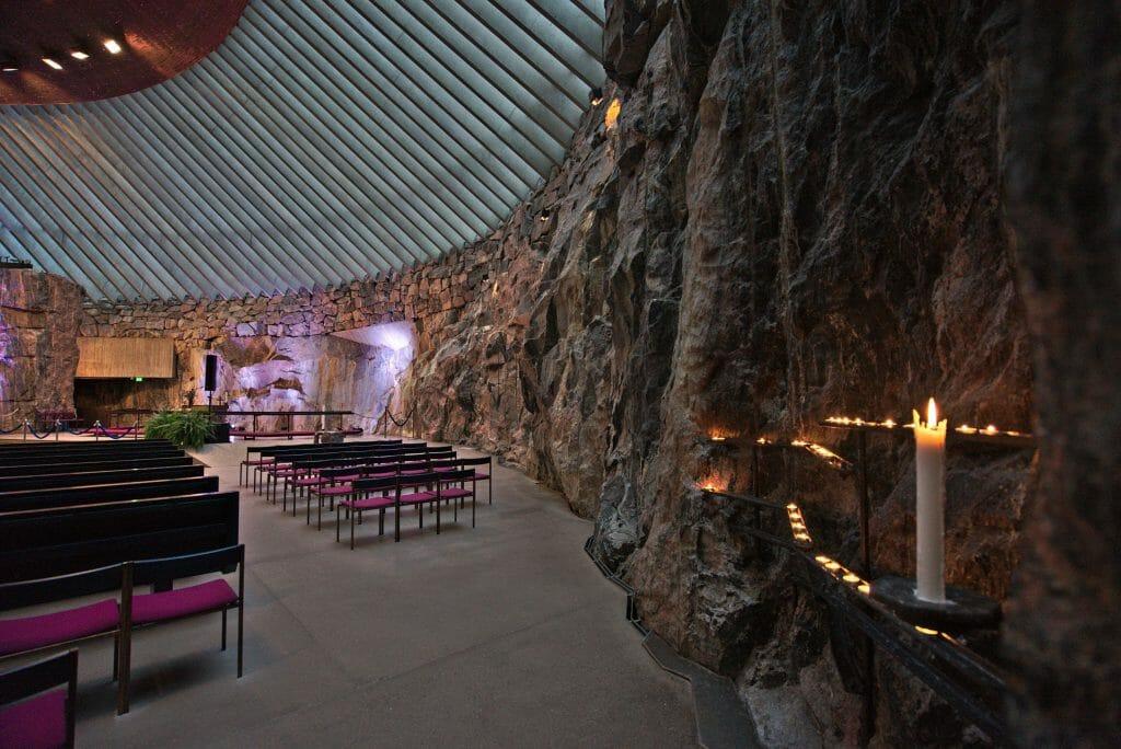 église dans un rocher helsinki