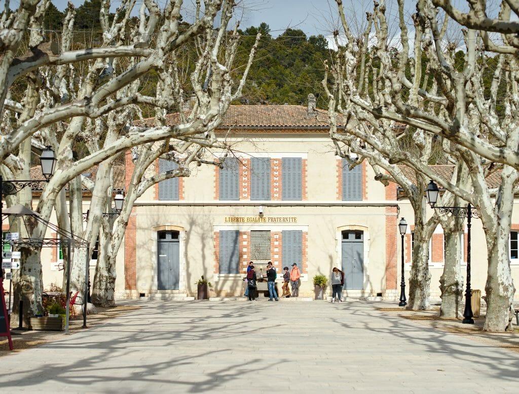 mairie de villecroze