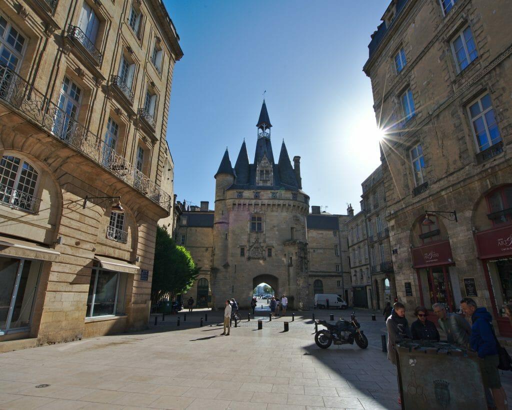 porte cailhau, vieille ville de bordeaux