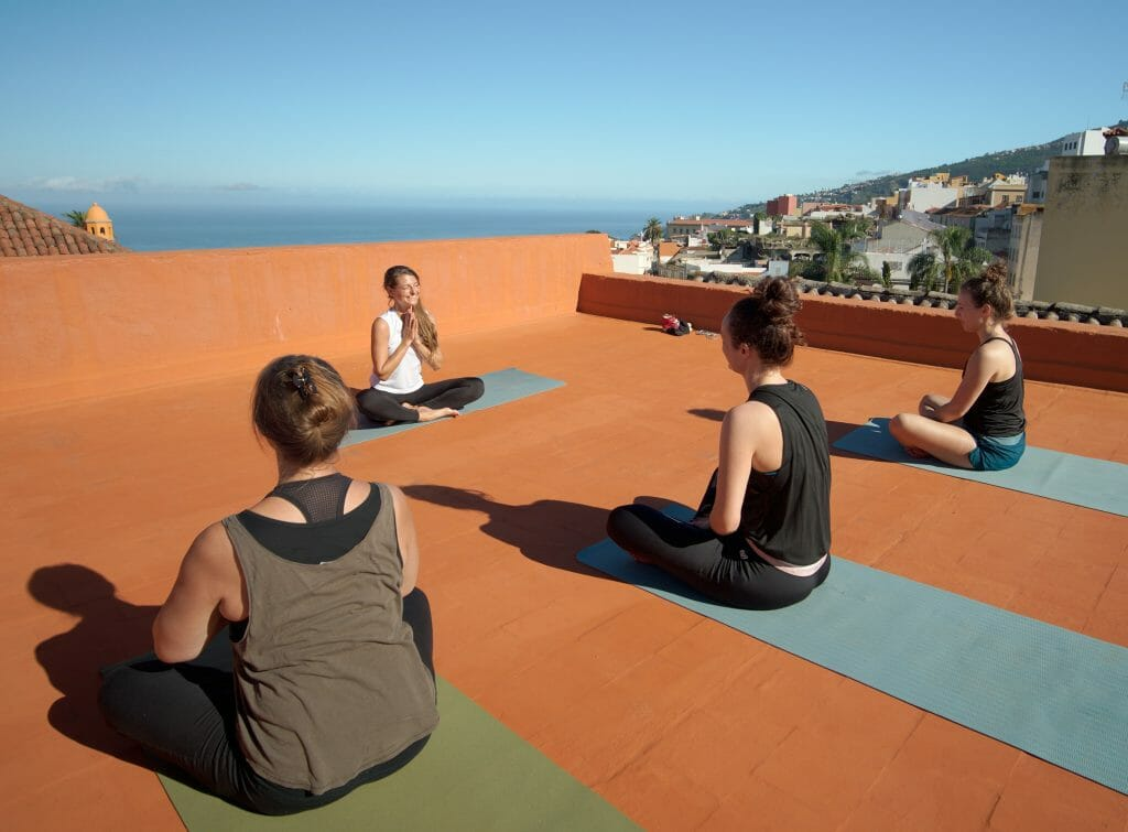 nine-coliving-yoga