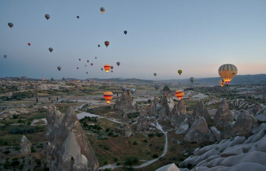 ballons de nuit en Cappadoce