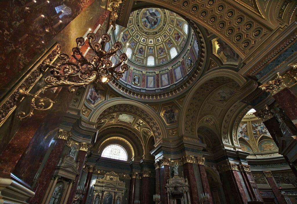 intérieur basilique saint étienne