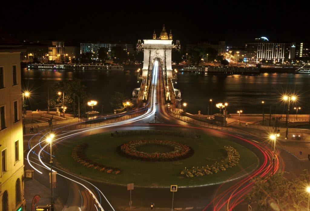 pont des chaînes de nuit