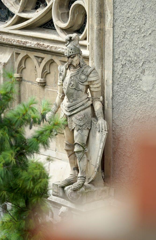 statue au chateau de budapest