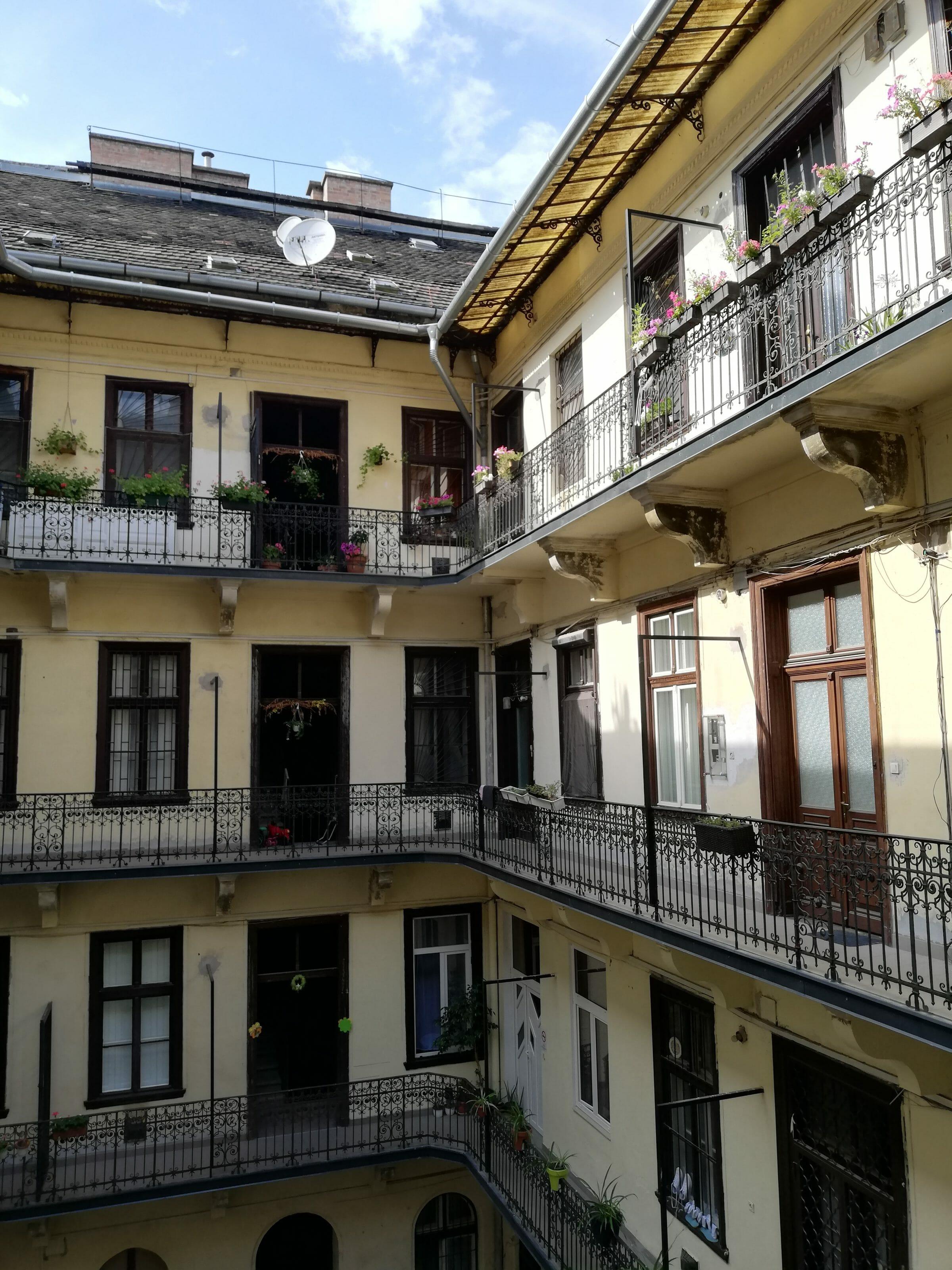 sunny rooms, interior courtyard