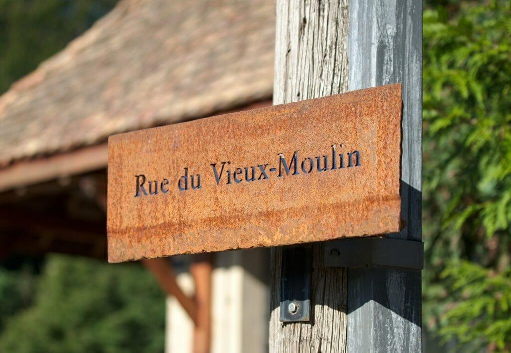 nom de rue à romainmotier