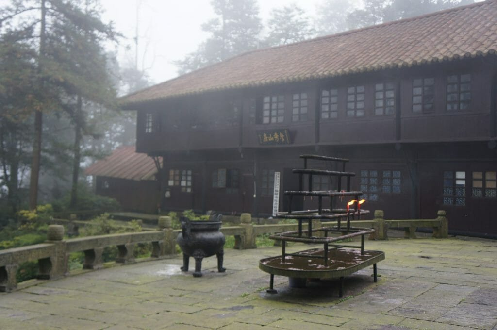 temple emei