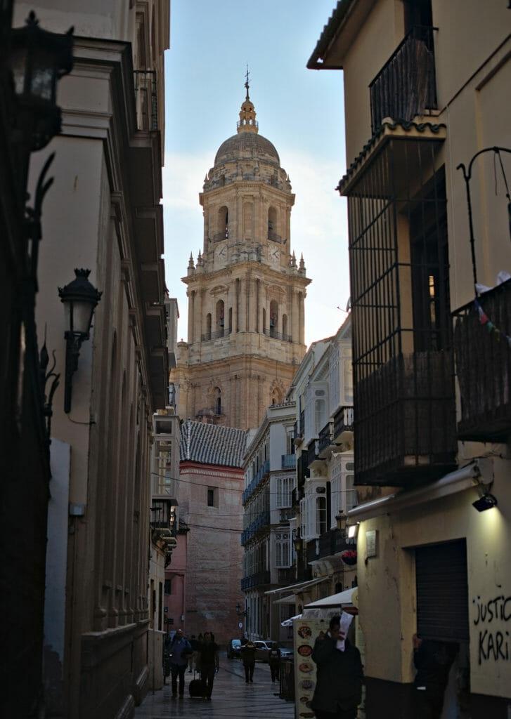 la tour de la cathédrale de Malaga