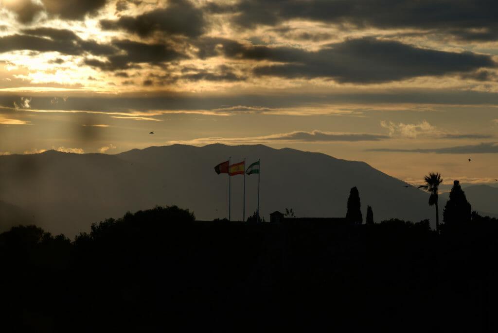 vue sur le château de Gibralfaro au coucher du soleil