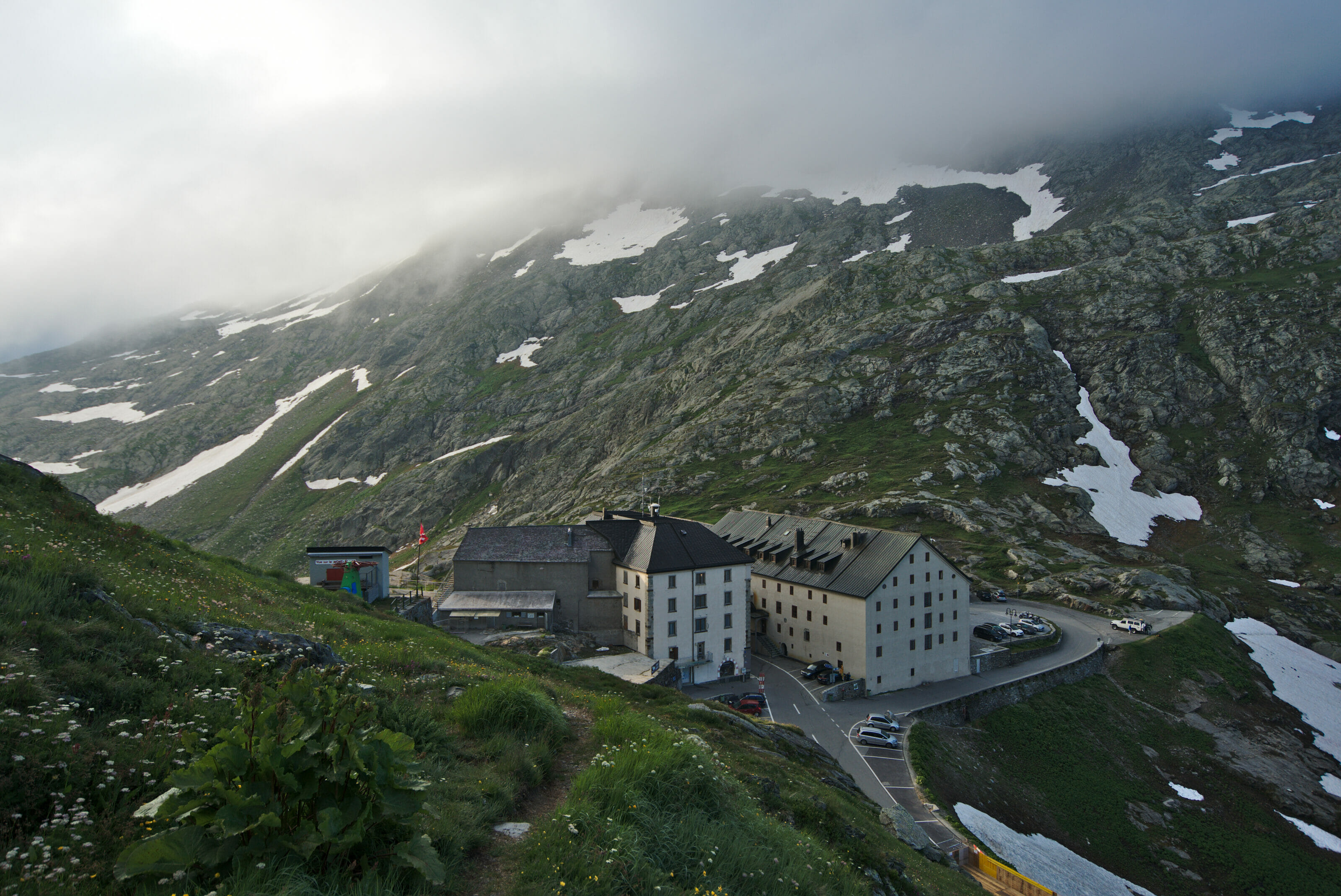 l'hospice du col du saint-bernard