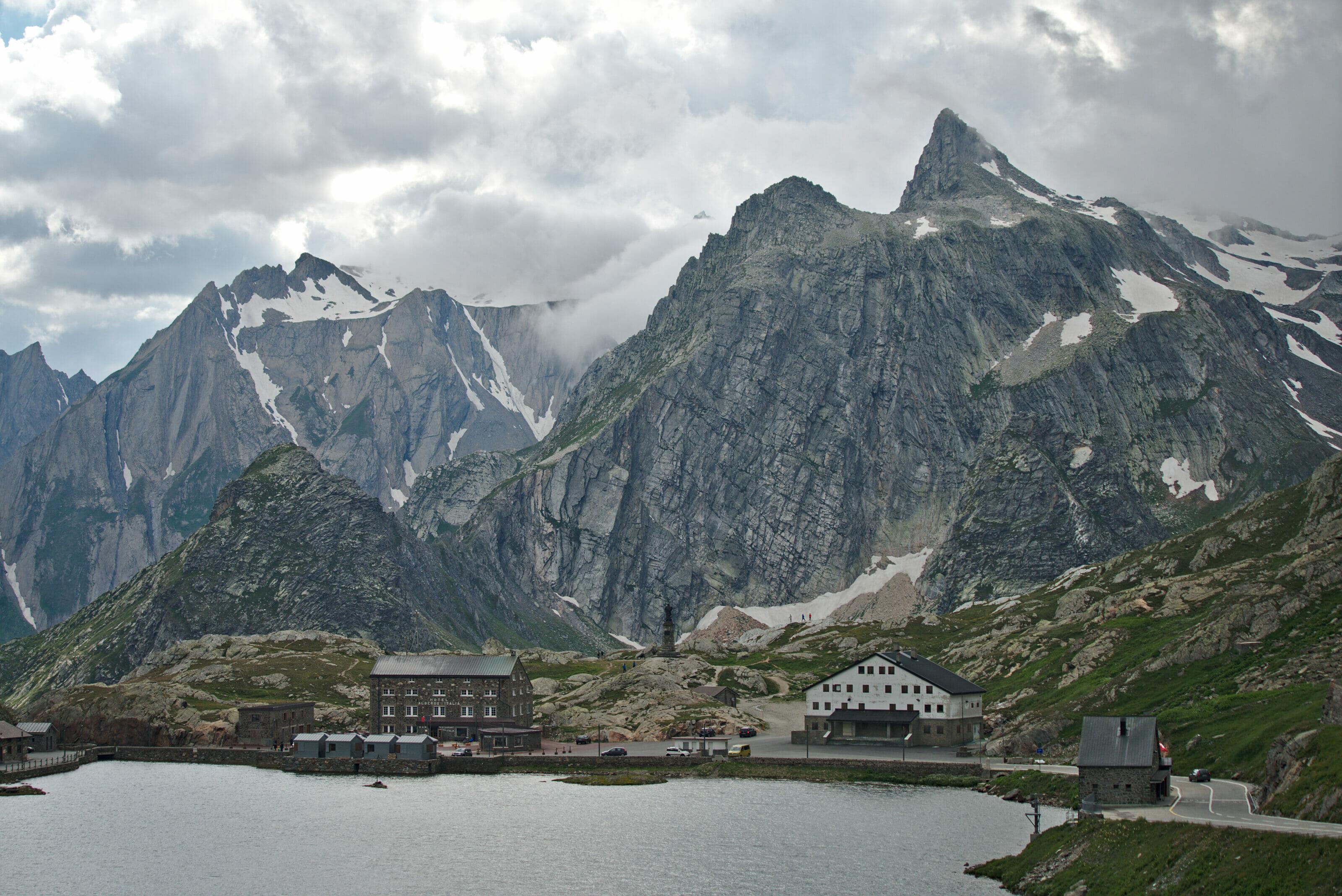 saint-bernard lake