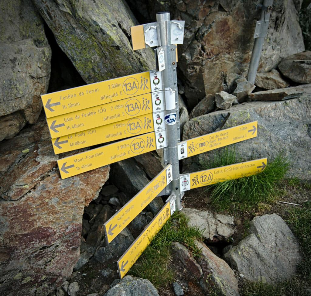 panneau de randonnée en italie