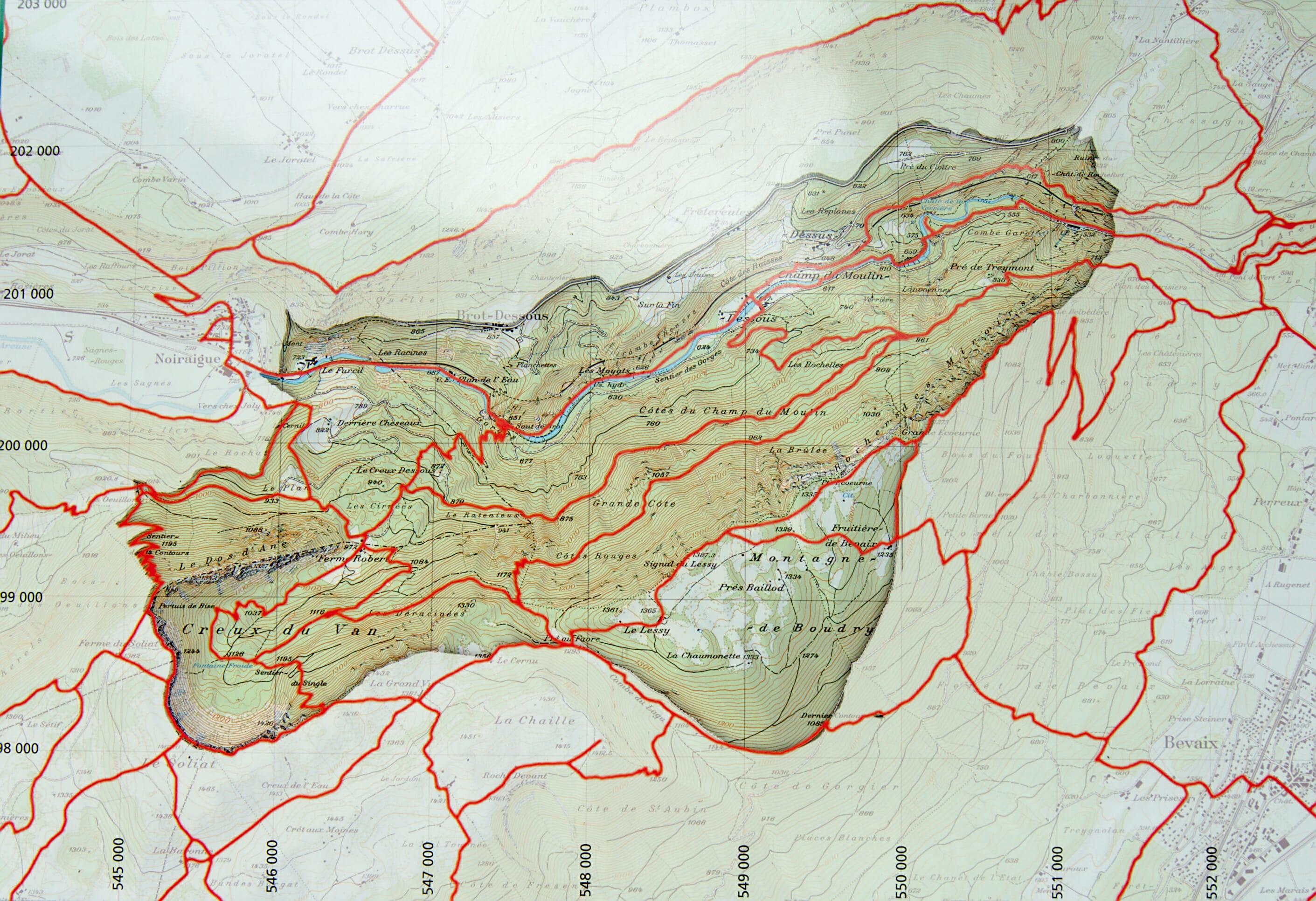 map of the Creux du Van natureal reserve