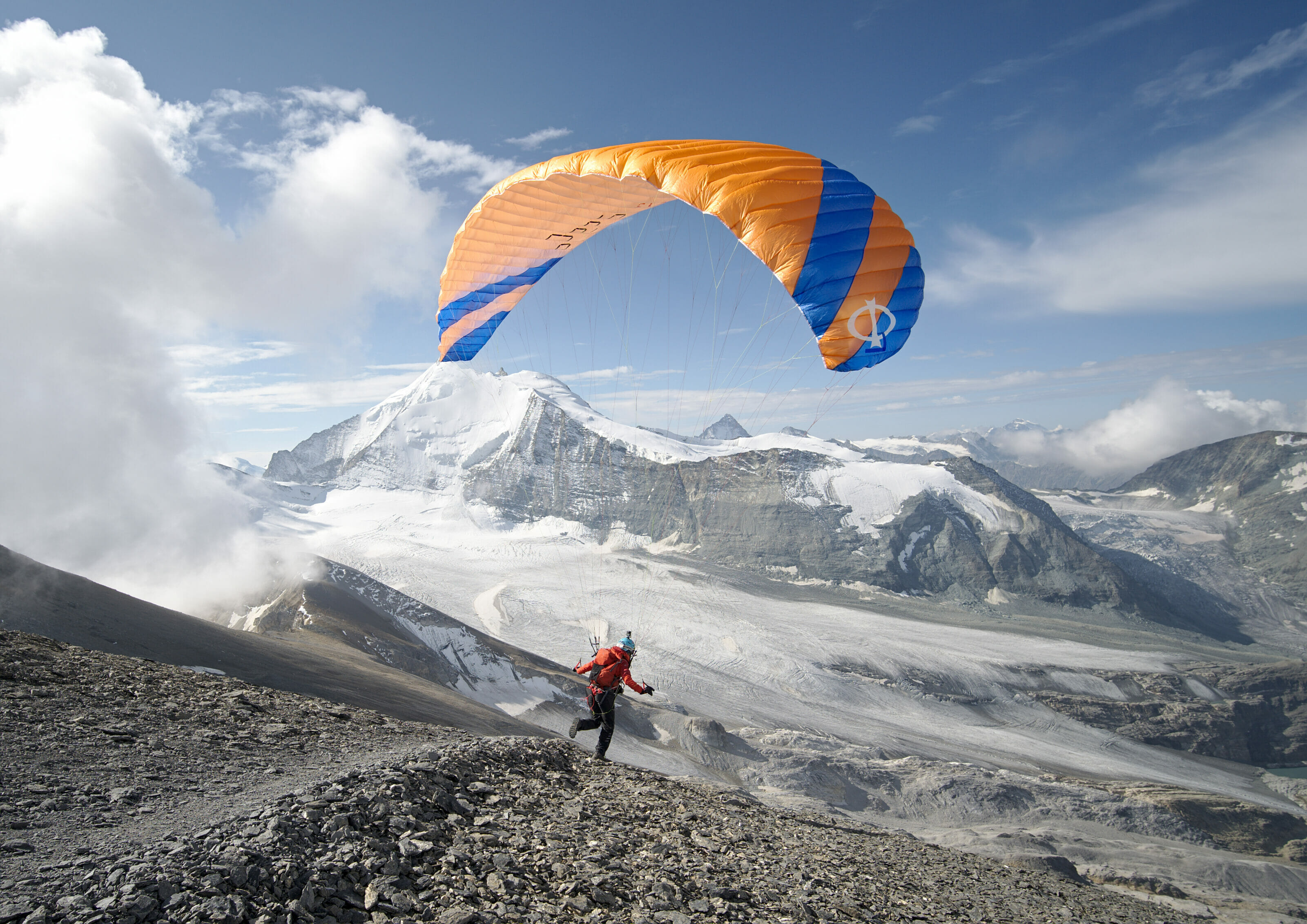 paraglider at the top of Barrhorn
