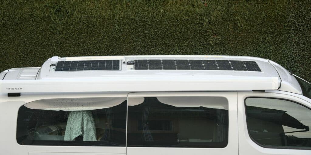 panneaux solaires van