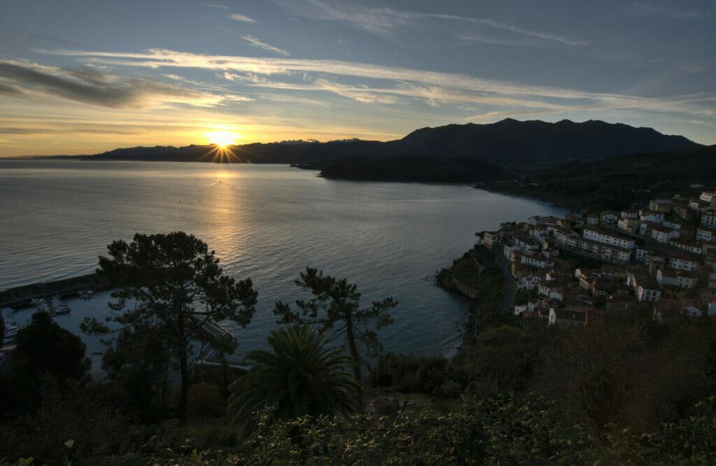 coucher de soleil à Lastres
