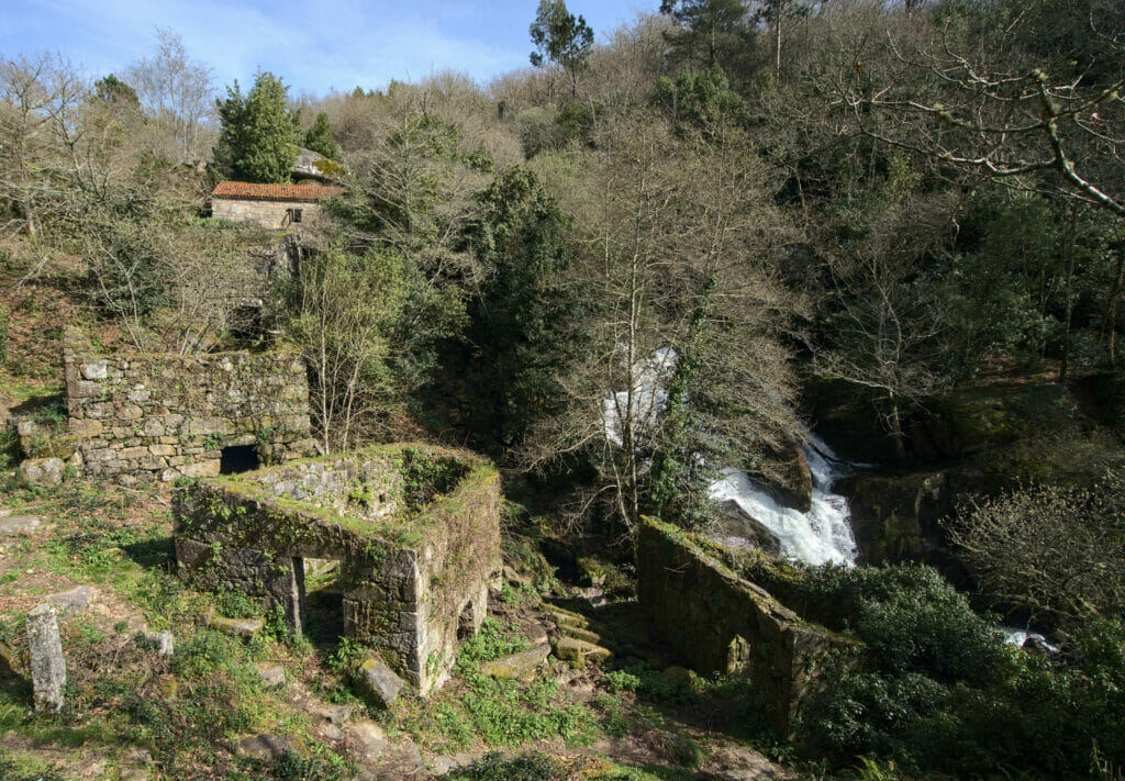 cascade et moulins