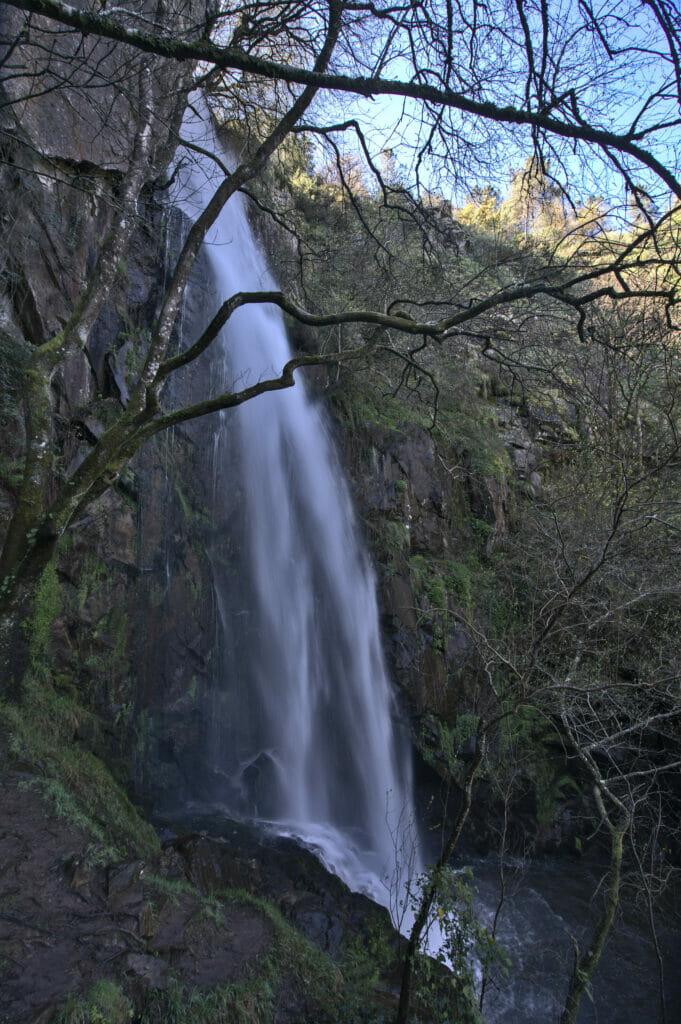 la cascade d'augacaida ribeira sacra