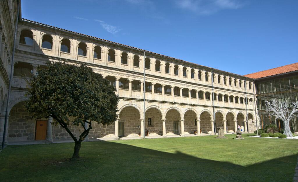 cour intérieure de Santo Estevo