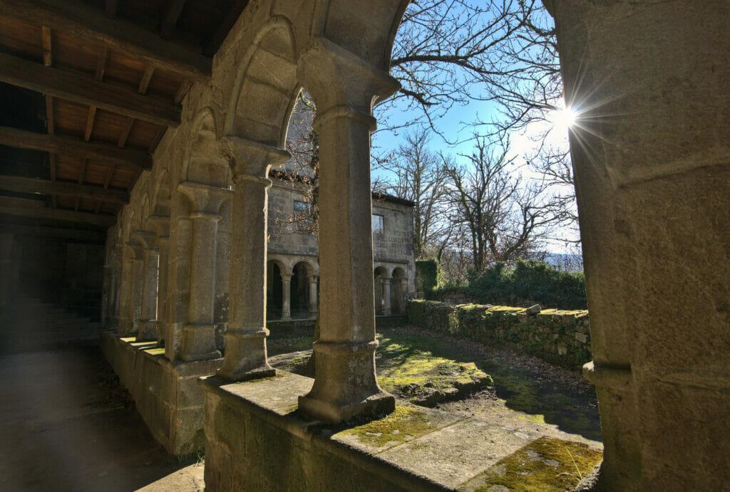 Monastère de Santa Cristina avec les lumières de fin de journée